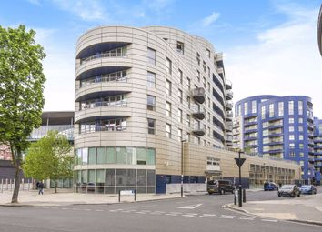 Thumbnail 1 bed flat to rent in Queensland Road, London