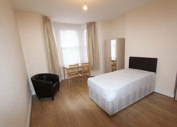 Thumbnail 3 bed flat to rent in Faversham Road, London