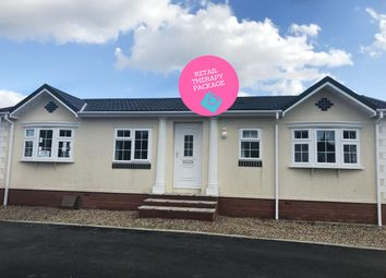 Thumbnail 2 bed mobile/park home for sale in Abingdon, Oxfordshire