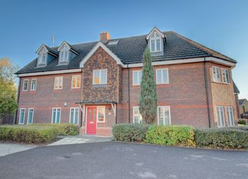Thumbnail 2 bed flat for sale in Rosemead Gardens, Southgate, Crawley