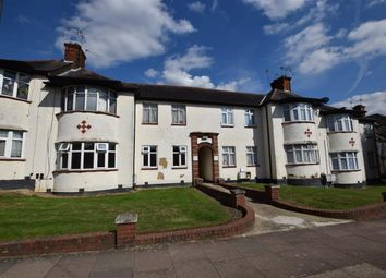 3 bed flat to rent in Green Court, Green Lane, Edgware HA8