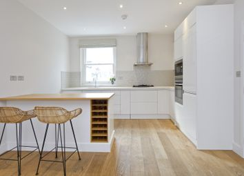 Thumbnail 3 bed flat to rent in St Helen's Gardens, London