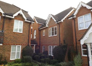 Thumbnail 2 bed flat to rent in Alston Gardens, Maidenhead
