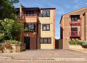 Caledonian Wharf, London E14. 4 bed end terrace house