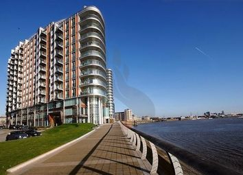Thumbnail 1 bedroom flat to rent in New Providence Wharf, 1 Fairmont Avenue, Canary Wharf, London, Uk