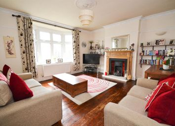 Thumbnail 2 bed flat for sale in Barnet Hill, Barnet
