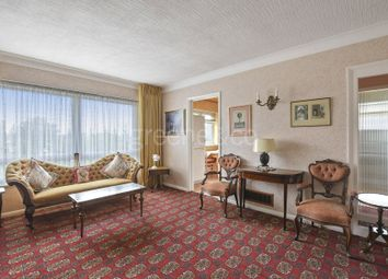 Thumbnail 2 bed flat for sale in Wellington Place, Great North Road, London