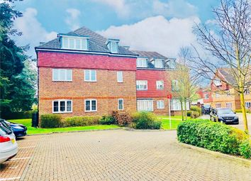 Thumbnail 2 bed flat to rent in Upper Meadow, Hedgerley Lane, Gerrards Cross, Buckinghamshire