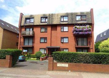 Station Road, New Barnet, Hertfordshire EN5. 2 bed flat