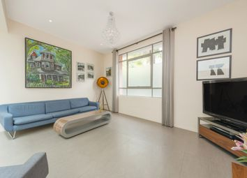 Thumbnail 3 bedroom flat to rent in Norland Road, London