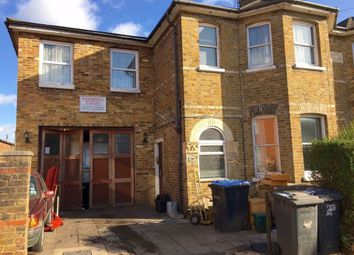 Thumbnail 1 bed flat to rent in Queens Road, Egham