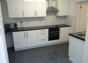 Thumbnail 5 bed flat to rent in Fenton's Ave, London