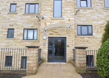Thumbnail 4 bedroom flat to rent in Newsome Road, Huddersfield