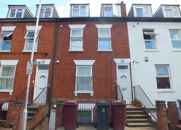 Thumbnail 1 bedroom flat to rent in Zinzan Street, Reading, Berkshire