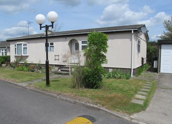 Thumbnail 2 bed mobile/park home for sale in The High Pines (Ref 5929), Parkers Lane, Maidens Green, Bracknell, Berkshire