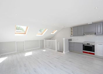 2 bed maisonette to rent in Godolphin Road, London W12