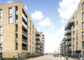 Thumbnail 3 bed flat to rent in Hythe House, Finsbury Park