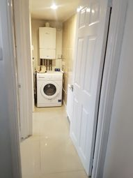 Thumbnail 2 bed detached house to rent in Bourne Street, Croydon
