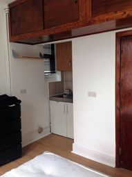 Thumbnail Studio to rent in Lydford Road, Willesden Green