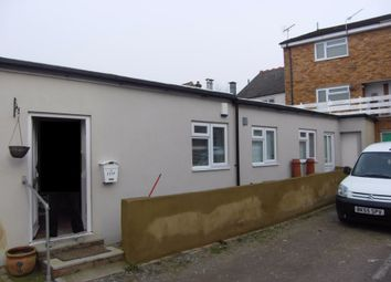 Thumbnail Maisonette to rent in Turners Hill, Cheshunt, Hertfordshire