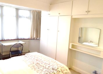 Thumbnail Room to rent in Double Room For A Single Female, Perivale / Greenford