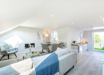 Thumbnail 4 bed flat for sale in Fontenoy Road, Clapham