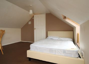 Thumbnail Room to rent in Firmstone Road, Winchester