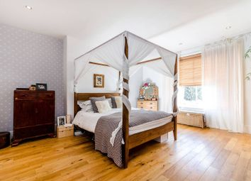 Thumbnail 2 bedroom flat for sale in Thicket Road, Crystal Palace