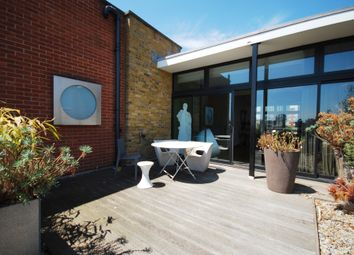Thumbnail 2 bed flat to rent in Floral Street, London