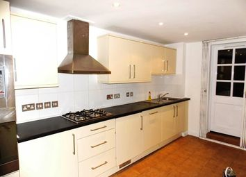 3 bed flat to rent in Grove Road, London E3