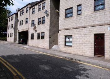 2 bed flat to rent in Cross Lane, Dundee DD1
