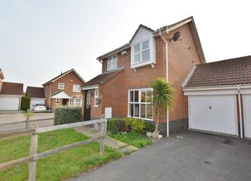 Hawthorn Road, Kingsnorth TN23. 3 bed detached house