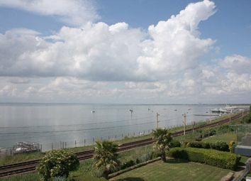 Regatta Court, 76 Undercliff Gardens, Leigh-On-Sea, Essex SS9. 3 bed flat