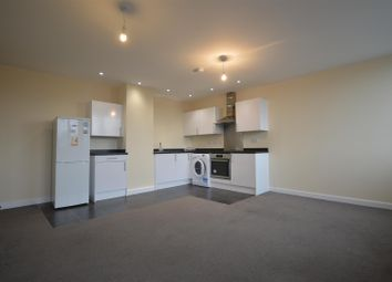 2 bed flat to rent in Burleys Way, Leicester LE1