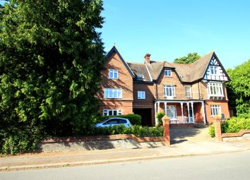 Thumbnail 2 bedroom flat to rent in Somers Road, Reigate