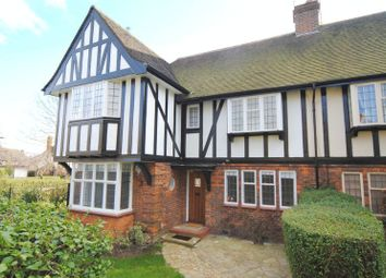 Thumbnail 2 bed flat to rent in Maurice Walk, Hampstead Garden Suburb