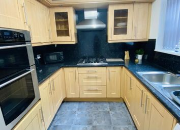 Thumbnail 5 bed terraced house to rent in Hill Top Mount, Leeds