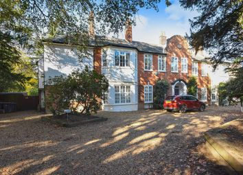 Thumbnail 3 bedroom flat for sale in Hook Road, Surbiton