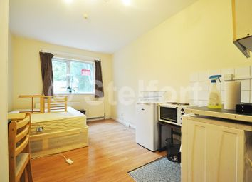 Thumbnail Studio to rent in Colney Hatch Lane, Muswell Hill, East Finchley, Highgate, London