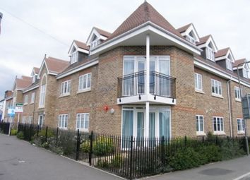 Thumbnail 1 bed flat to rent in Thorpe Road, Egham