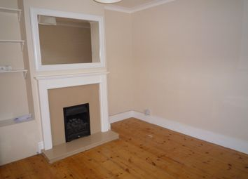 Thumbnail 2 bed detached house to rent in York Road, Reading