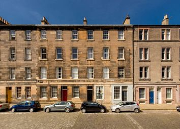 Thumbnail 1 bedroom flat for sale in 28/11 Barony Street, New Town, Edinburgh