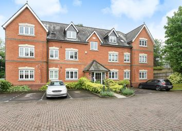 Thumbnail 2 bed flat for sale in Sunninghill, Berkshire