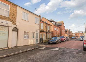 Thumbnail 2 bedroom flat for sale in Station Road, Chertsey