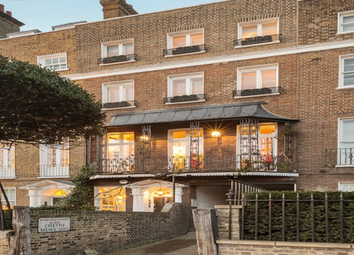 Thumbnail 5 bed property for sale in Cheyne Walk, London