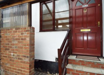 Thumbnail 1 bed flat for sale in Russell Street, Luton