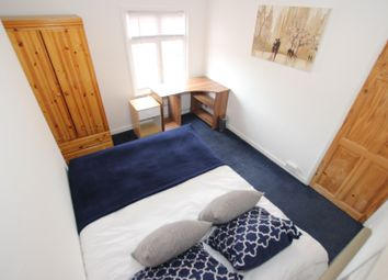 Thumbnail Room to rent in Kings Road, Room 3, Reading