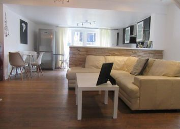 Thumbnail 3 bed bungalow to rent in Loughton Way, Buckhrst Hilll