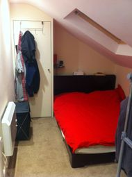 Thumbnail 1 bedroom flat to rent in Oxford Road, Berkshire