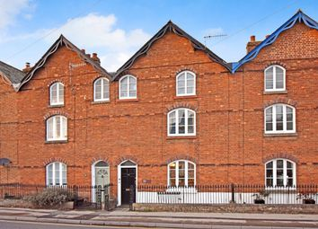 3 bed terraced house for sale in London Road, Marlborough SN8